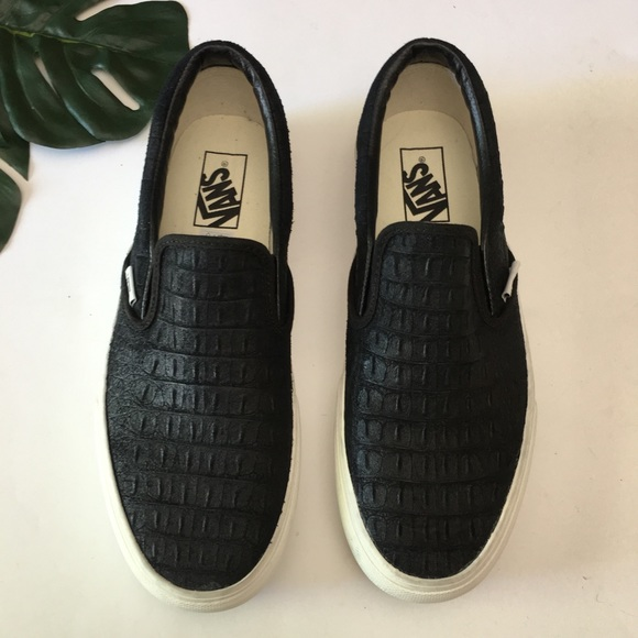 c235c37399809 Vans Platform Embossed Croc Sneaker Black 9.5. M 5b05cd2b2ab8c5287f127c7e
